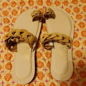Kino sandal size 7
